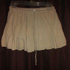 💥Tan colored short skirt